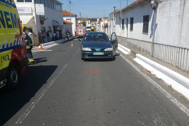 Menino de três anos atropelado em Rio Maior morreu no hospital