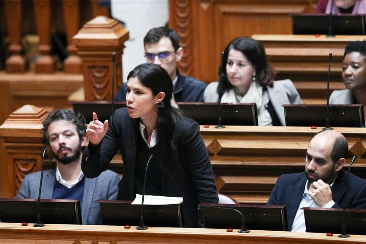 Partido quer eliminar também regime para residentes não habituais