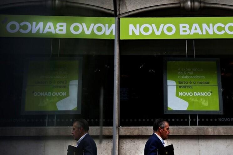 O Novo Banco registou prejuízos de 555,3 milhões de euros no primeiro semestre