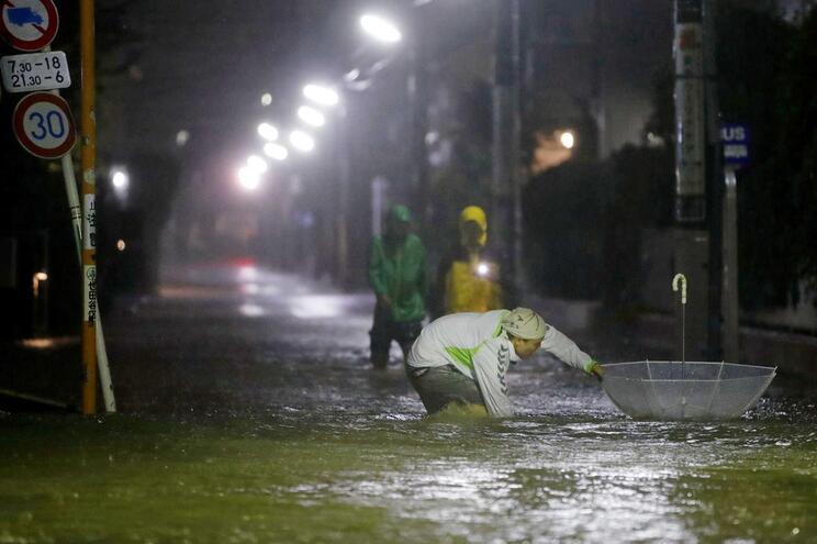 Japão em alerta máximo com aproximação do tufão Hagibis