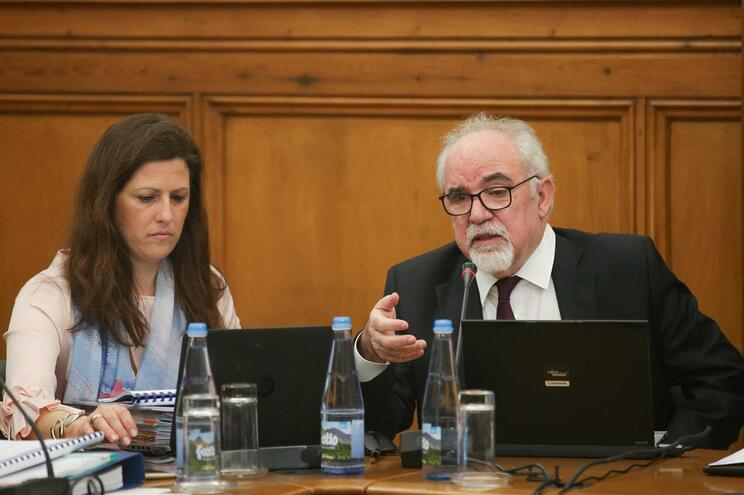 Ministro Vieira da Silva no parlamento