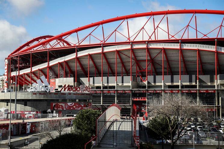 Plantel do Benfica reuniu verba e comprou material médico para o SNS