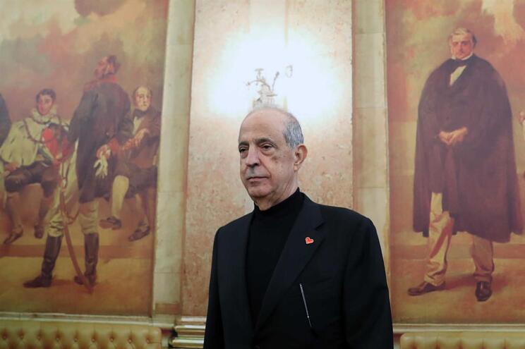 Deputados criticam postura de Berardo no Parlamento