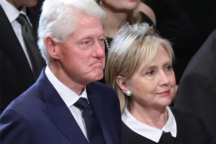 Casal Clinton vai fazer digressão nos EUA