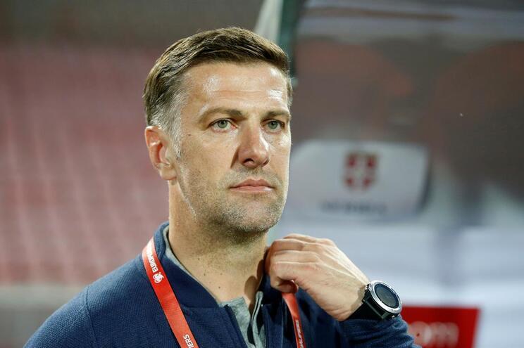 Mladen Krstajic foi despedido do cargo de selecionador