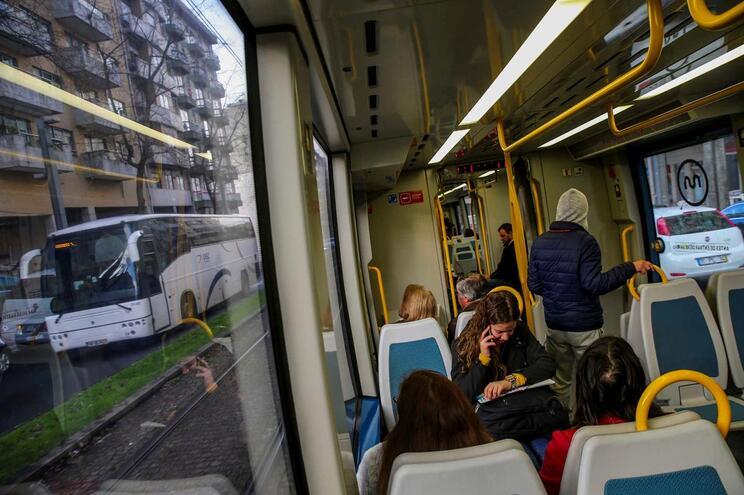 Passes de transportes do Porto sobem em 2019