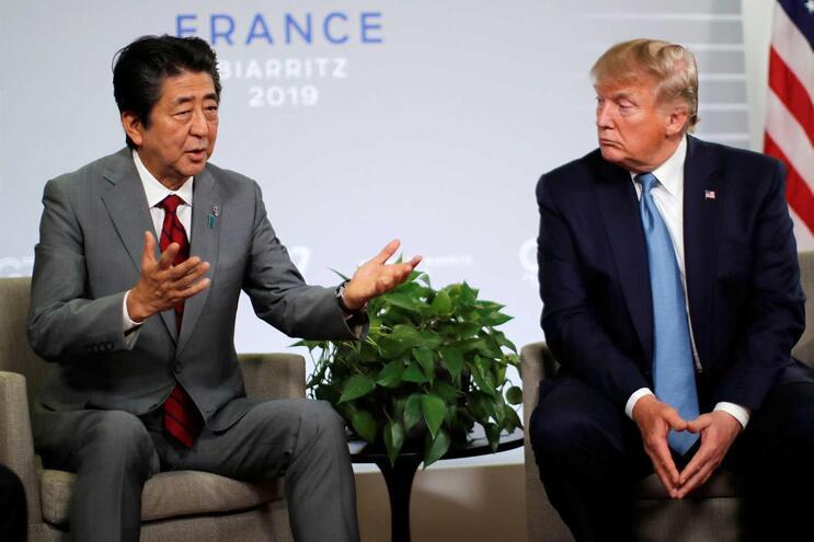 O primeiro-ministro japonês, Shinzo Abe, e o presidente dos EUA, Donald Trump