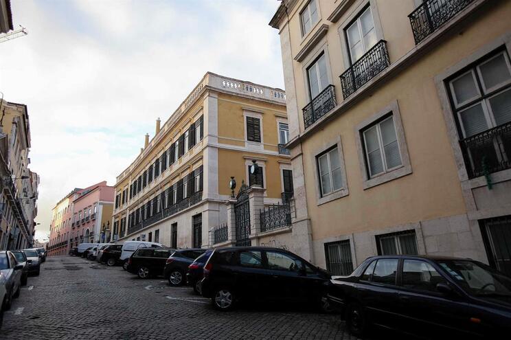 Publicada lei que agrava IMI para prédios devolutos em zonas de pressão urbanística