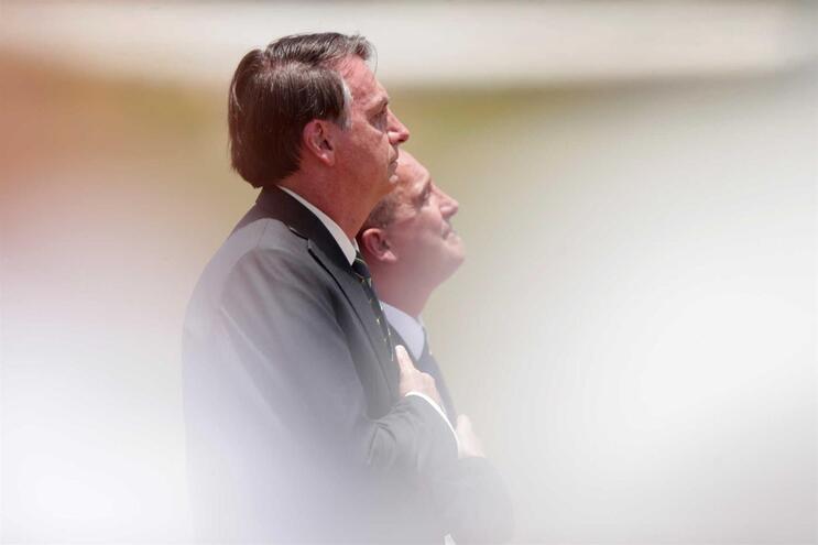 Jair Bolsonaro assina desfiliação do Partido Social Liberal