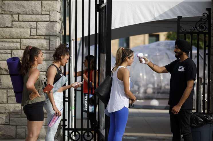O país contabiliza agora mais de 2,34 milhões de casos confirmados