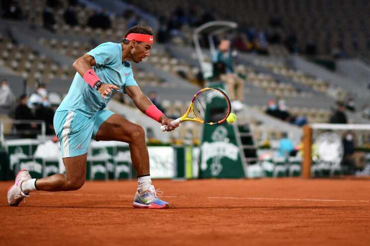 Rafael Nadal segue em frente em Roland Garros