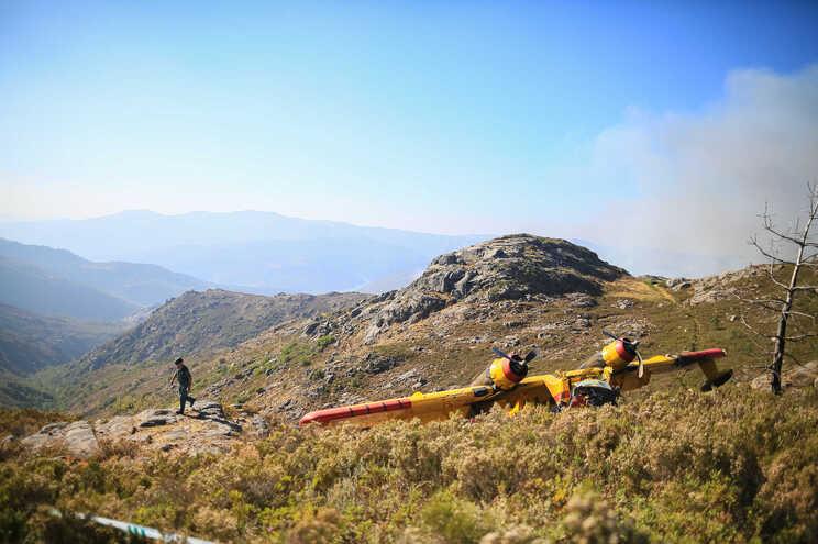 """Co-piloto ferido no acidente do Canadair """"estável e fora de perigo"""""""