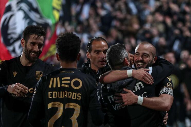 Jogadores do V. Guimarães festejam
