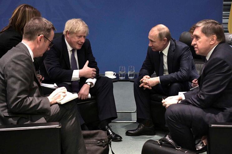 Boris Johnson e Vladimir Putin