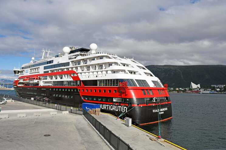 Navio de cruzeiros Roald Amundsen