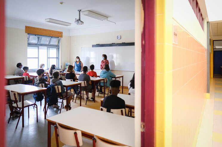 """""""Mais de 500"""" professores entregaram declarações de risco desde setembro. Muitos devem regressar em breve"""