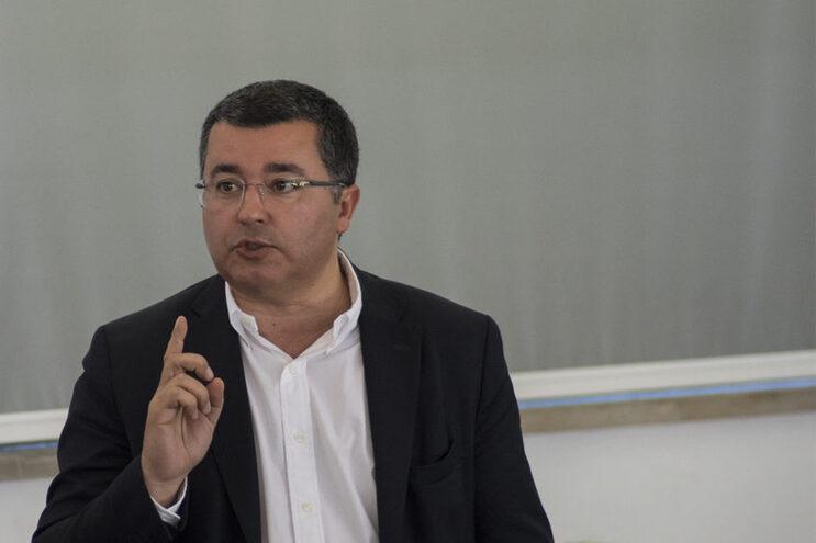 """Variantes à EN125 e ferrovia para o Aeroporto """"servem o Algarve"""", mas municípios querem mais"""