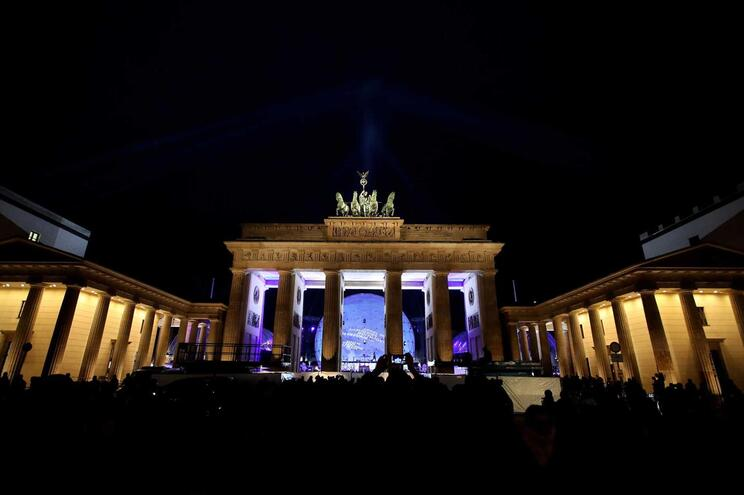 Portas de Brandenburgo, em Berlim, símbolo da divisão histórica da Alemanha
