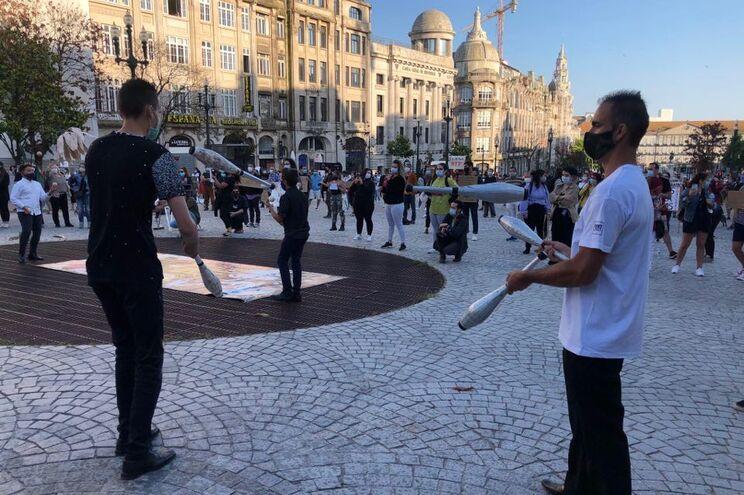 Profissionais do setor da Cultura em protesto na Avenida dos Aliados