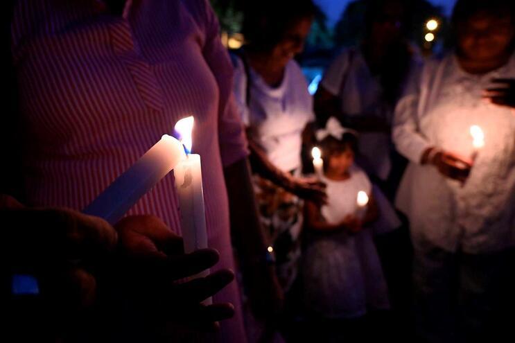 Vigília realizada no Sri Lanka pelas vítimas do coronavírus