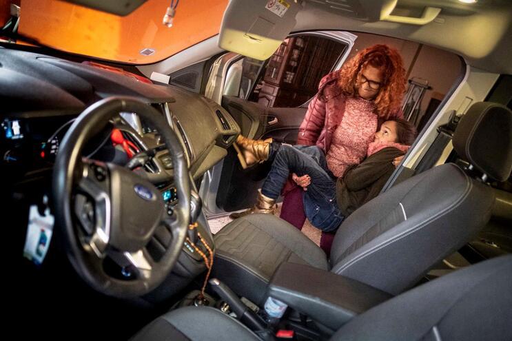Falta de sistemas de adaptação de viaturas afeta quem vive com deficiência