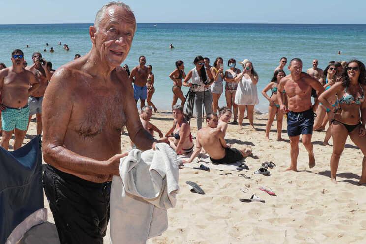 O Presidente da Republica, Marcelo Rebelo de Sousa, na praia do Alvor