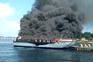 Barco turístico em chamas na Galiza faz vários feridos