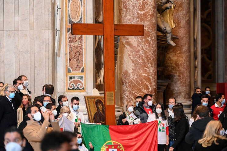 Papa entregou símbolos da Jornada Mundial da Juventude a Portugal