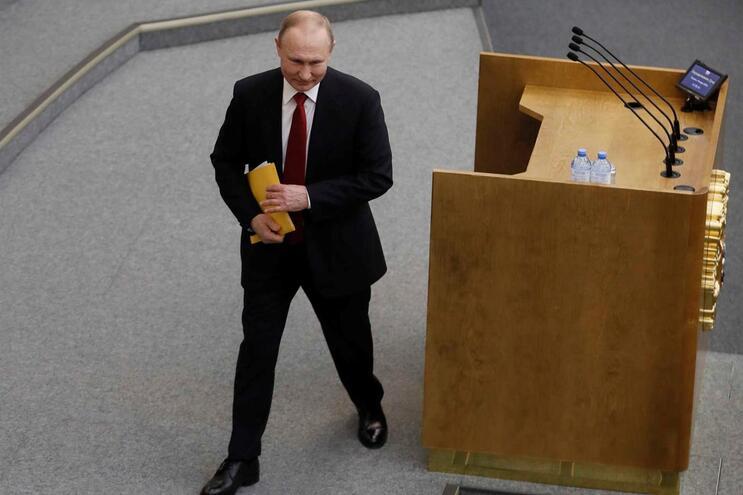 Vladimir Putin assinou lei que lhe permite continuar no poder até 2036
