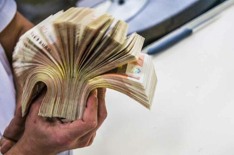 Deixaram idosos na miséria e gastaram 10 mil euros em dois casacos