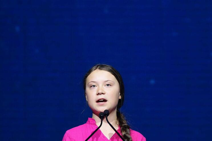 "A jovem ativista sueca Greta Thunberg na cimeira ""Austrian World Summit"", em Viena, Áustria"