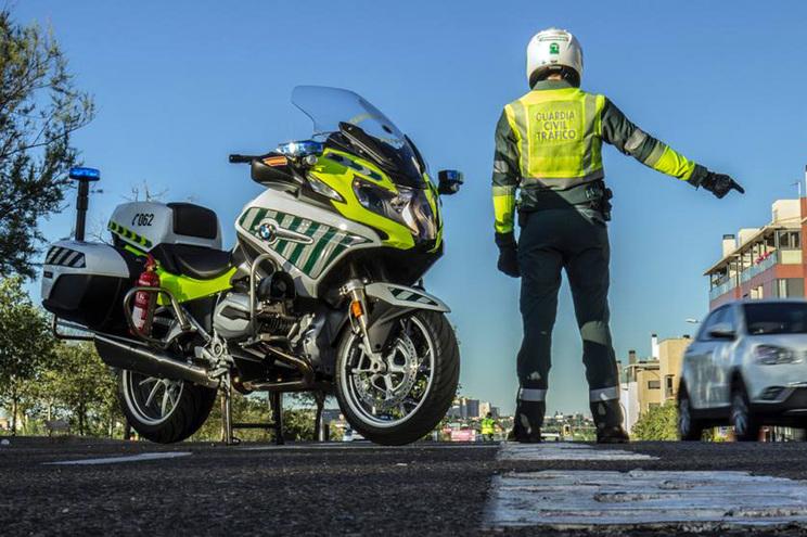 Português julgado por tentar subornar polícia de trânsito na Galiza