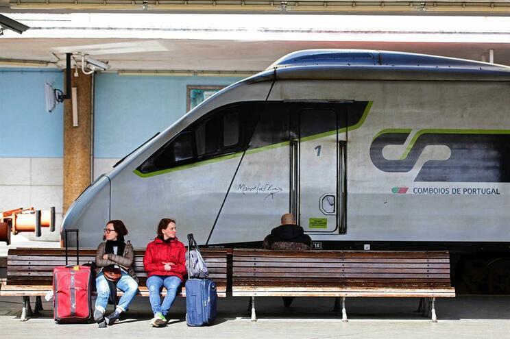 Preço do bilhete dos comboios diminuiu