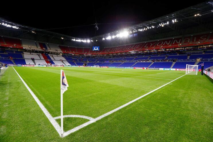 Siga em direto o Lyon - Benfica