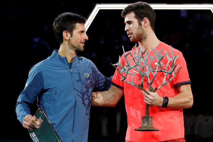 Khachanov vence Djokovic e conquista Masters 1000 de Paris