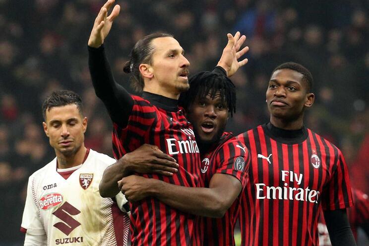 AC Milan vence Torino e marca duelo com Juventus nas meias da Taça de Itália