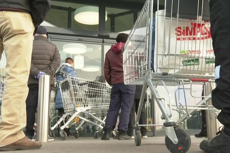 Trabalhadores pedem encerramentos dos estabelecimentos a 1 de maio