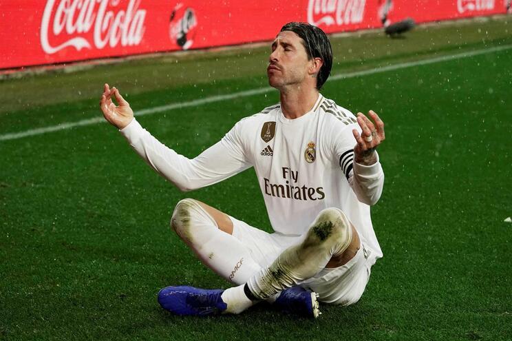 """Sergio Ramos: """"Podiam fazer uma Bola de Ouro só para Ronaldo e Messi"""""""