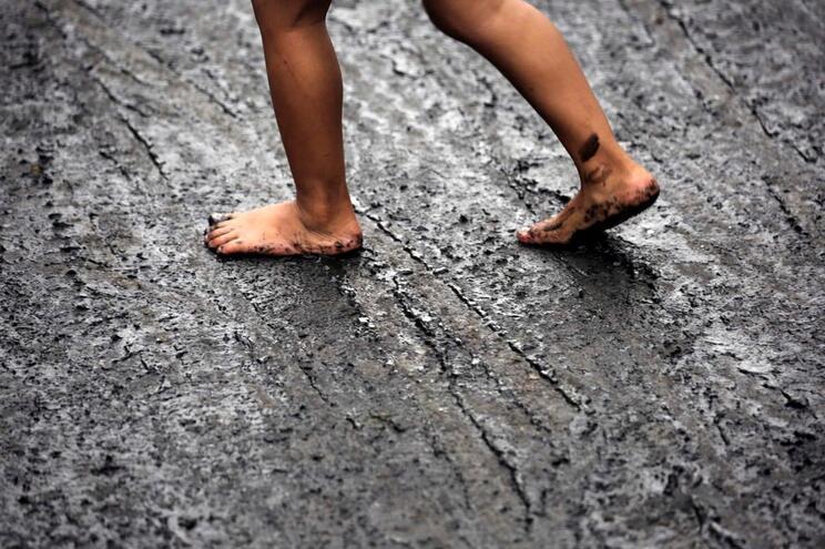 Metade mais pobre da população mundial corresponde a 3800 milhões de pessoas