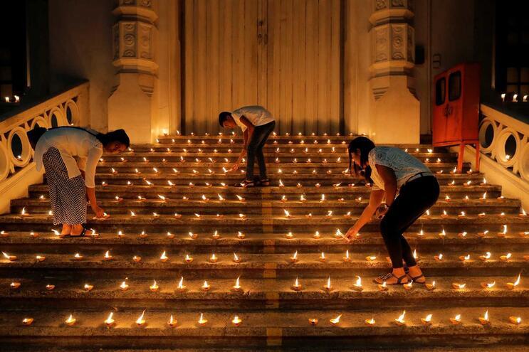 Ataques no Sri Lanka: Maioria dos suspeitos mortos ou detidos