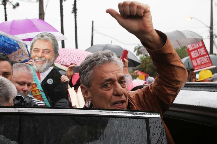 Chico Buarque recebe prémio Camões a 25 de Abril de 2020