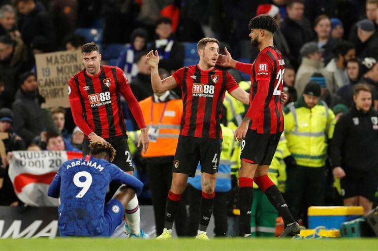Leicester empata e Chelsea perde em ronda que deixa líder Liverpool mais isolado