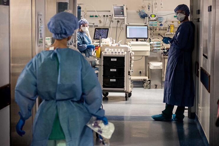 Profissionais de saúde estão na linha da frente no combate ao novo coronavírus