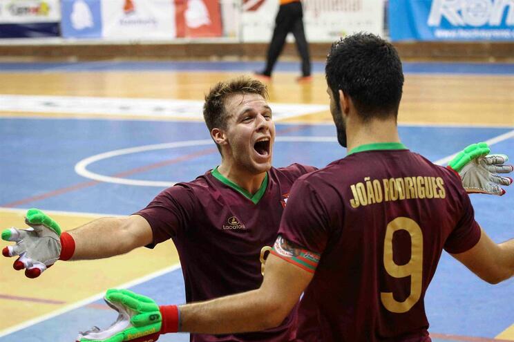 """Portugal empata com Espanha e está nas """"meias"""" do Torneio de Montreux"""