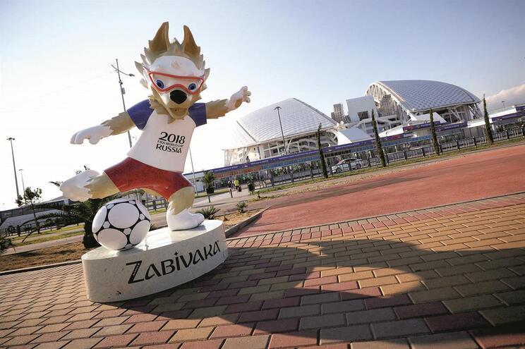 O Estádio Olímpico Fisht, em Sochi, recebe na sexta a estreia de Portugal no Campeonato do Mundo, frente