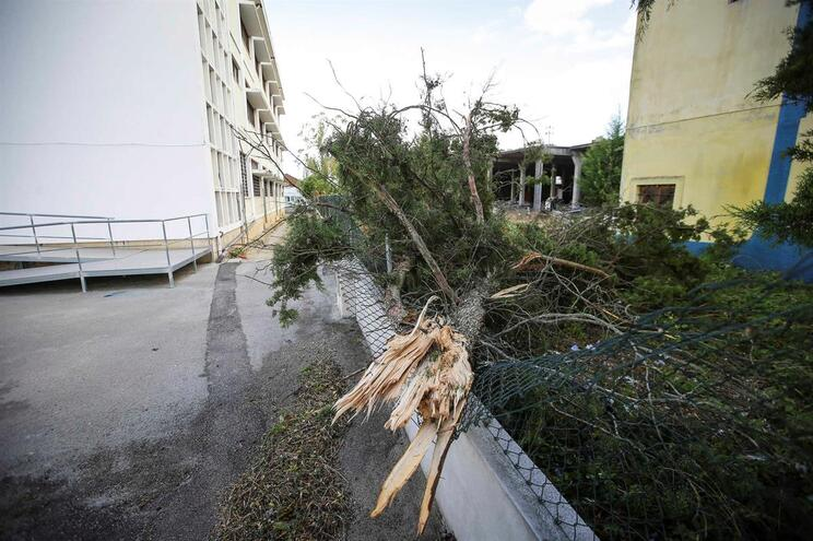 tempestade Leslie atingiu região litoral centro dias 13 e 14 de outubro