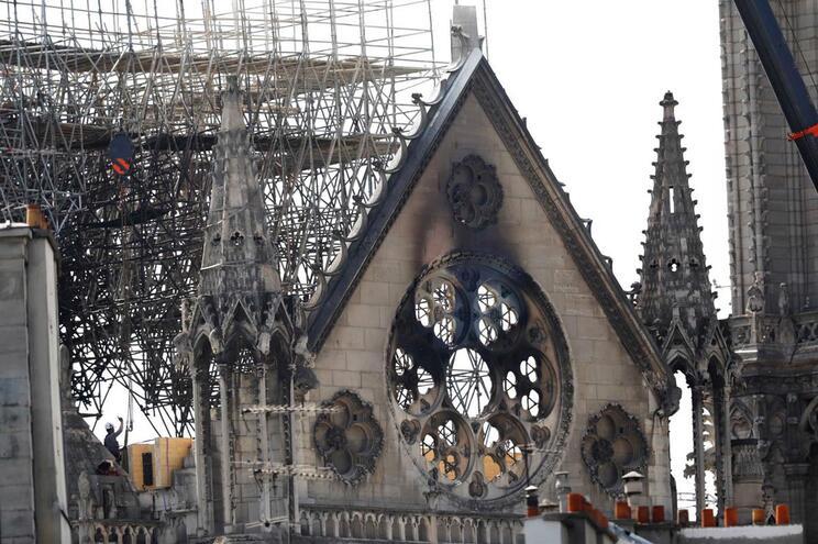 Torres de Notre-Dame podiam ter caído sem intervenção rápida