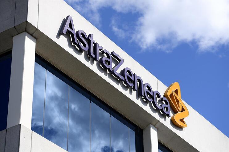 Dois voluntários da vacina da AstraZeneca desenvolveram sintomas neurológicos