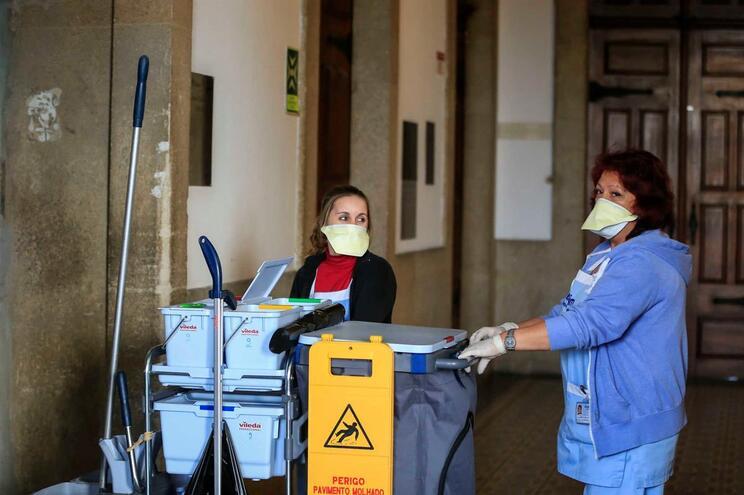 Furto teve início no Hospital de Santo António, no Porto