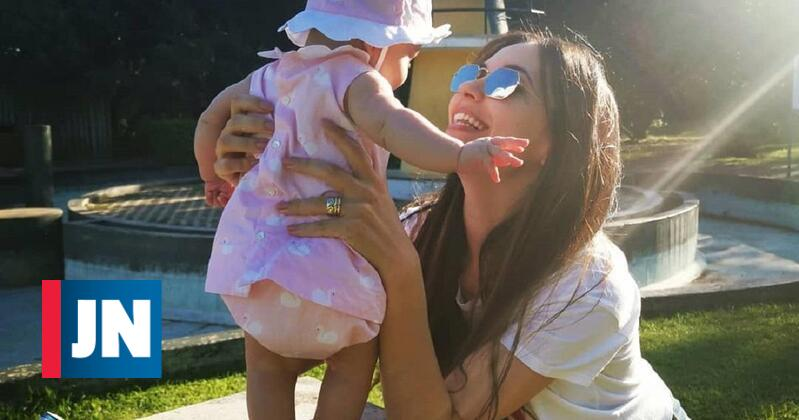 Sara Barradas enternece fãs com Lua ao colo